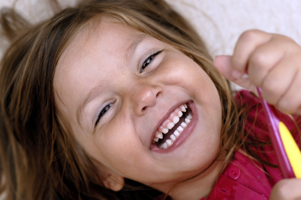 Criança rindo